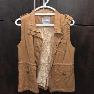 2Stable Plush Vest
